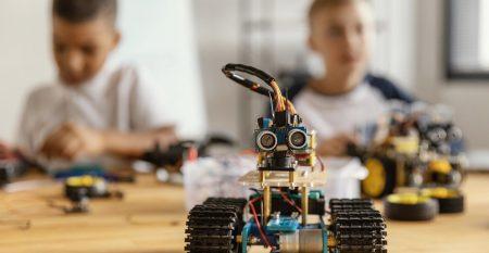children-making-robot